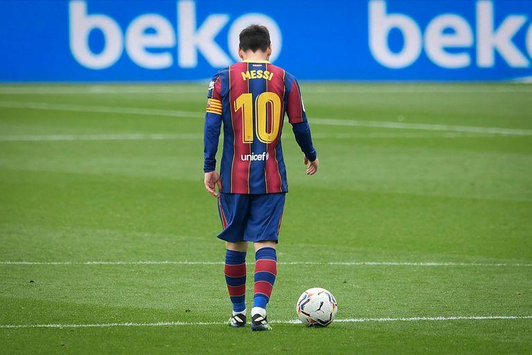 Lionel Messi, entre intentar levantar cabeza con el Barcelona y su futuro a partir de junio