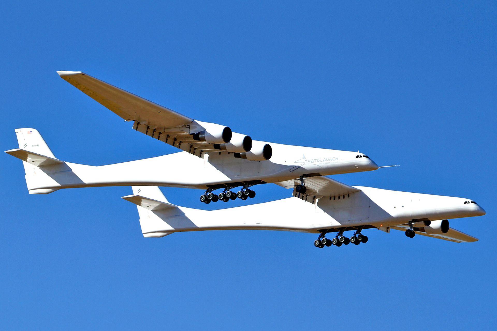 Impulsado por el mismo tipo de motores que el Boeing 747, está diseñado para despegar con un peso máximo de 589.676 kilos