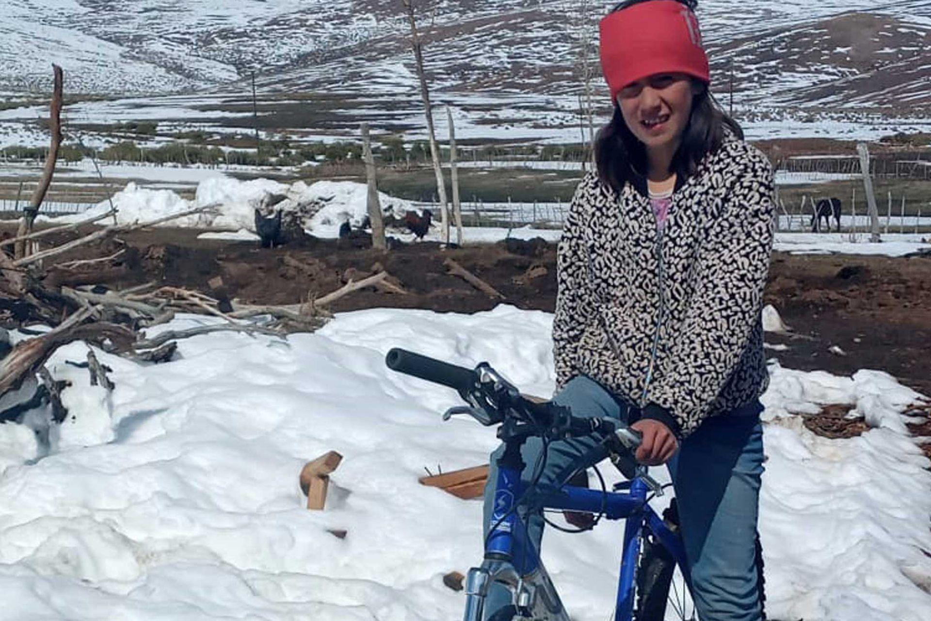Maciela pudo cumplir su sueño de tener una bicicleta nueva. La que tenía estaba rota y no la podía usar