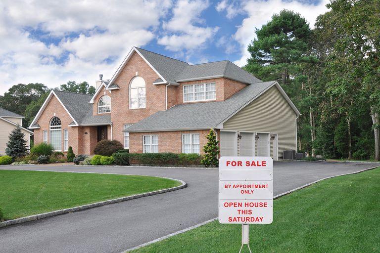 Las casas nuevas sufrieron la mayor caída de precios en 14 meses, las razones