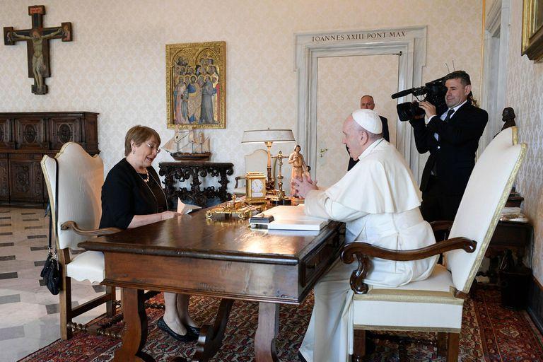 Vaticano. Francisco recibió a Bachelet y hablaron de la situación en Venezuela
