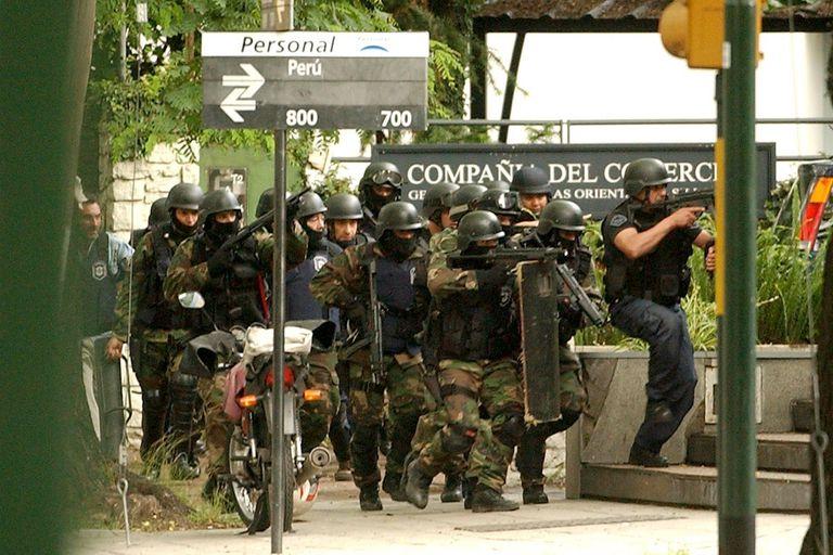 El robo ocurrió en una sucursal bancaria de avenida del Libertador y Perú, en Acassuso