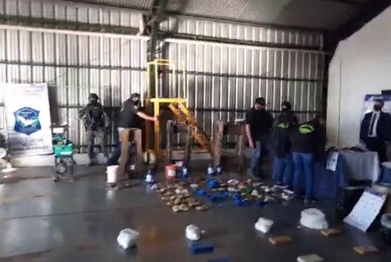 En un operativo en General Rodríguez, la policía bonaerense secuestró 80 kilos de cocaína