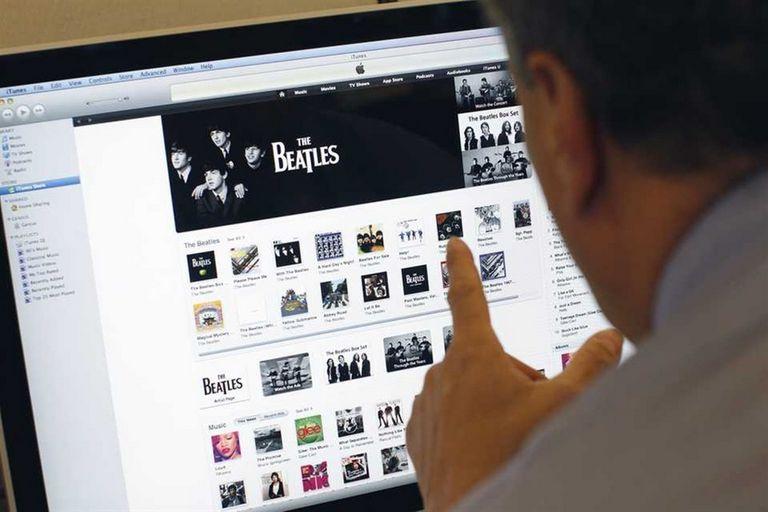 Tanto la compra de aplicaciones como de canciones que se adquieran desde las tiendas App Store de Apple o Play Store de Google deberán pagar IVA