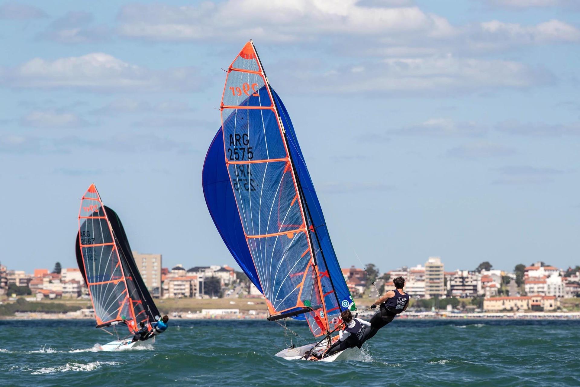 Una vez cumplida la agenda de siete días, recién entonces comenzarán a competir los barcos de quilla.