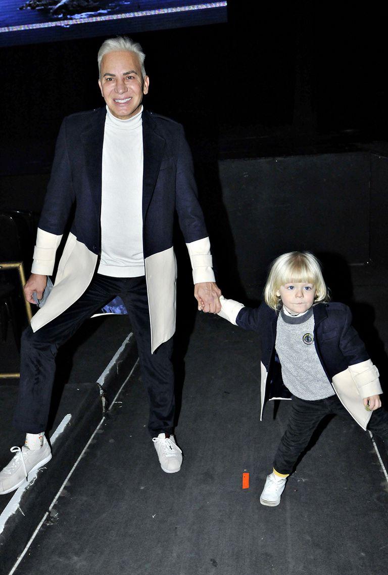 Flavio Mendoza celebró junto a su hijo Dionisio la reapertura de los teatros en la Ciudad de Buenos Aires