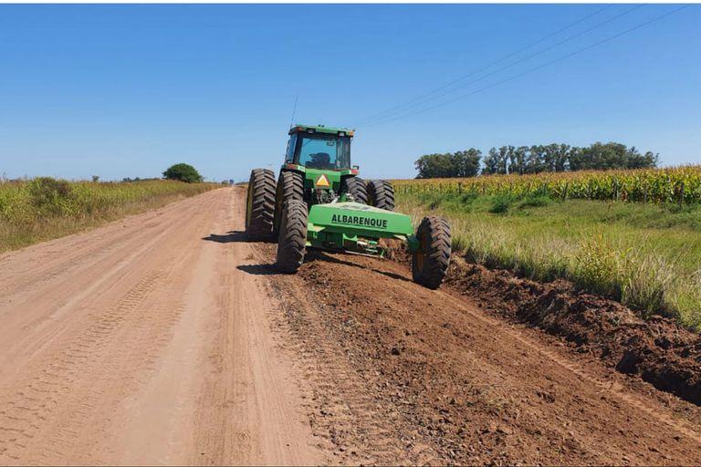 Por noveno año, un productor arregló por su cuenta un camino rural