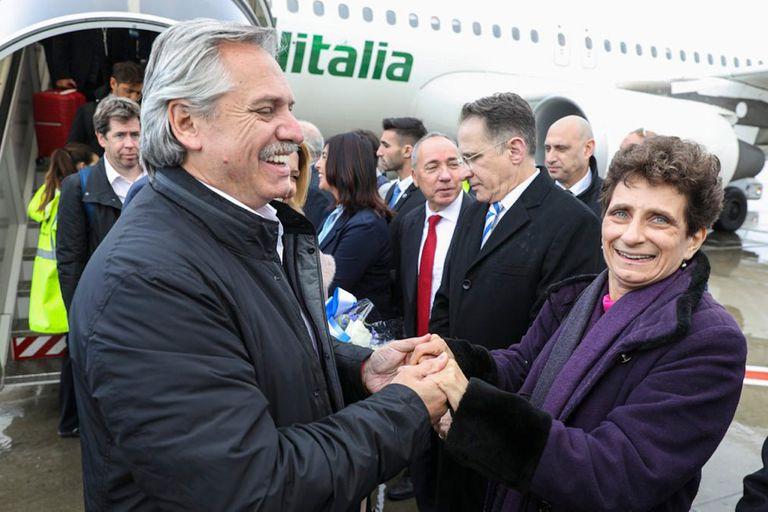 Alberto Fernández fue recibido por la embajadora de Israel en la Argentina