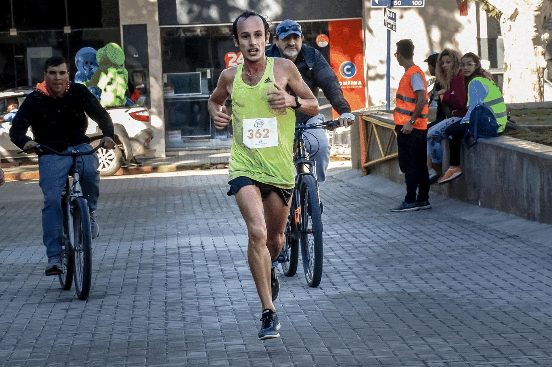 Tras ganar una maratón legendaria en su ciudad, Río Cuarto, Brian Burgos se entregó de lleno al running, que cambió su vida