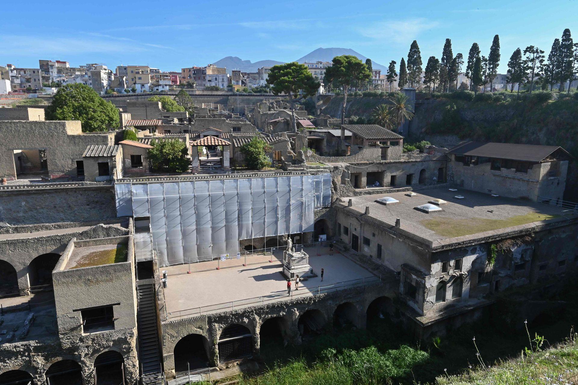Ercolano fue centro de los romanos más ricos, donde solían ir en verano para disfrutar de sus playas