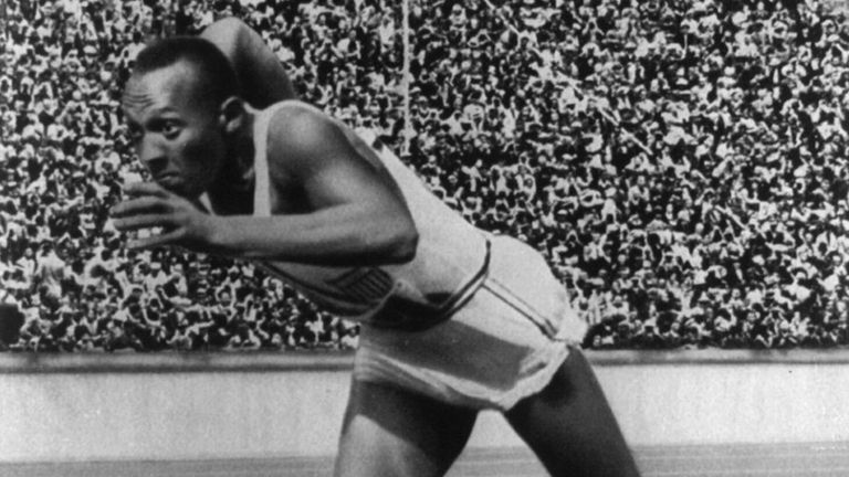 Jesse Owens, la máxima figura de los Juegos de Berlín 1936