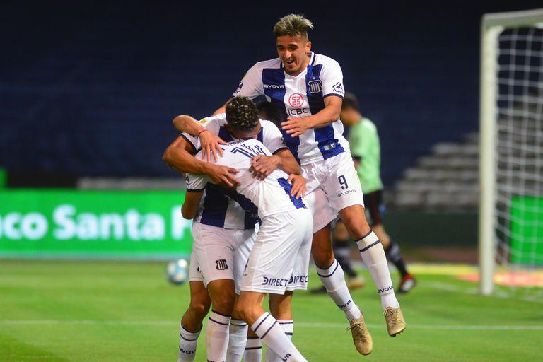 Copa Liga. Scocco volvió a Newell's con un gol pero Talleres no lo dejó festejar