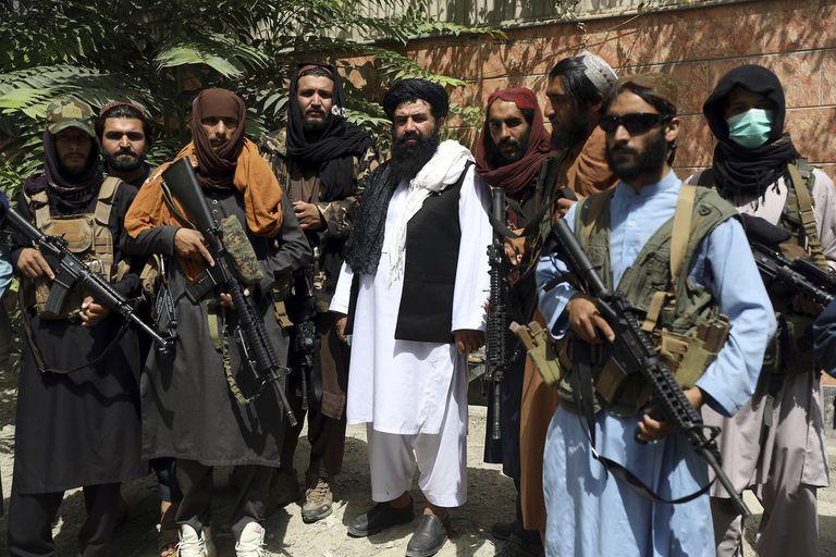 Combatientes talibanes en Kabul