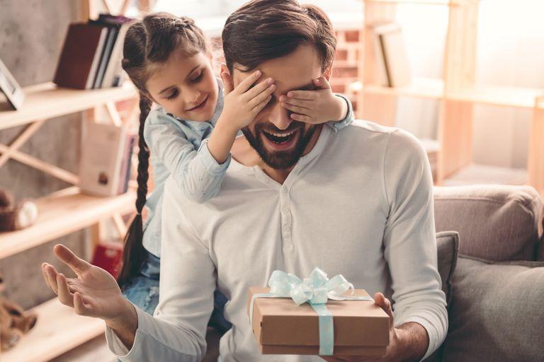 Día del padre: 8 ideas para un agasajar a un papá tecno