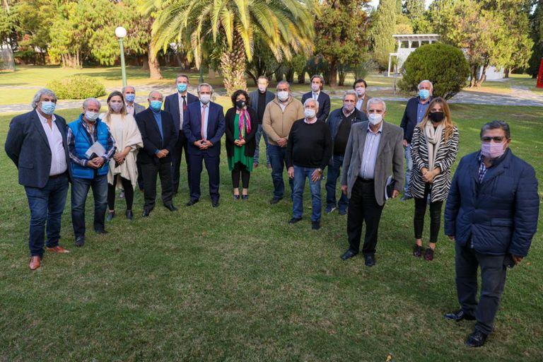 Alberto Fernández junto a la cúpula de la CGT, en Olivos, la semana pasada