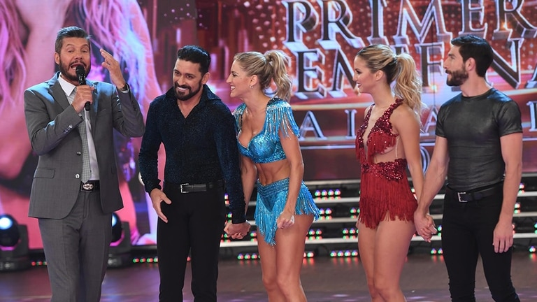 Las dos parejas semifinalistas junto a Marcelo Tinelli