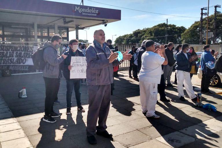 Militantes de la izquierda encabezaron la semana pasada una protesta en la planta de Pacheco de Mondelez