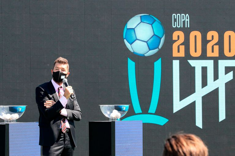 Marcelo Tinelli, presidente de la Liga Profesional, fue uno de los oradores del evento, televisado por TNT Sports y Fox Sports Premium, en el que se sortearon las seis zonas de la Copa Liga Profesional.