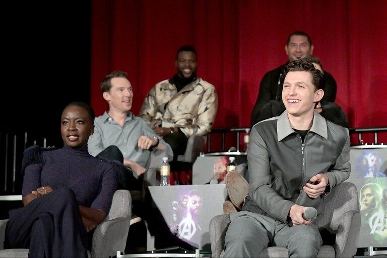 Benedict Cumberbatch (atrás), Danai Gurira y Tom Holland, tres de los nuevos rostros del universo Marvel como Doctor Strange, Okoye y Spiderman