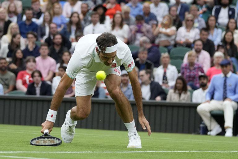 A Roger Federer cada vez le cuesta más mantenerse en pie en un circuito muy competitivo