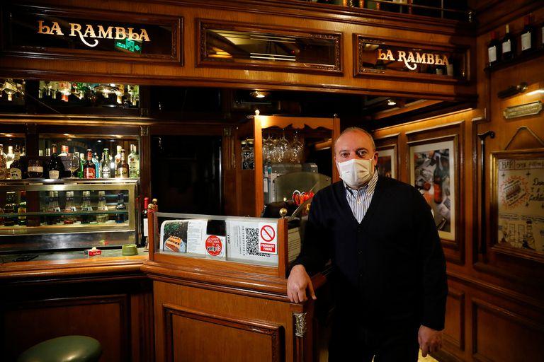 """Pablo Suárez, propietario del restaurante La Rambla, que cerró por la crisis económica desatada por la pandemia del coronavirus; """"cada 15 días se modifican las reglas de juego"""", asegura"""