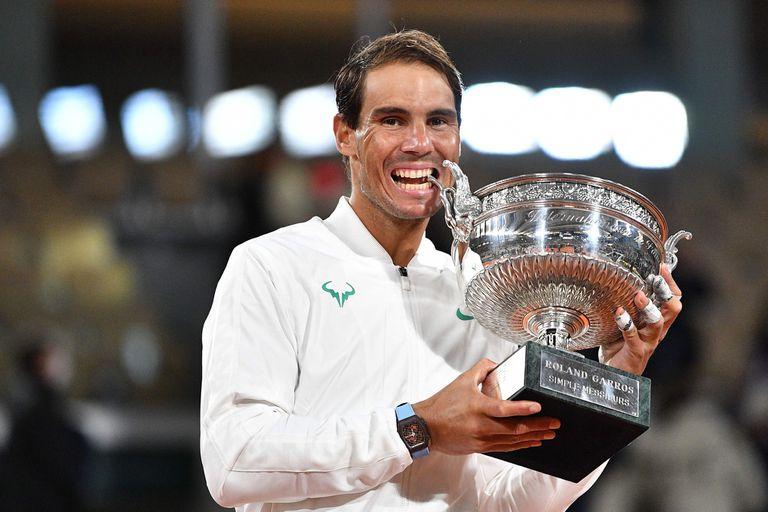 Rafael Nadal, uno de los deportistas que elevan el nivel de su disciplina.