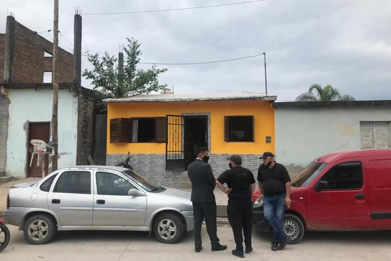 Abigail Jiménez llegó hoy, desde Buenos Aires, junto a sus padres, al Aeropuerto Internacional de Termas de Río Hondo, a 70 kilómetros de la capital santiagueña