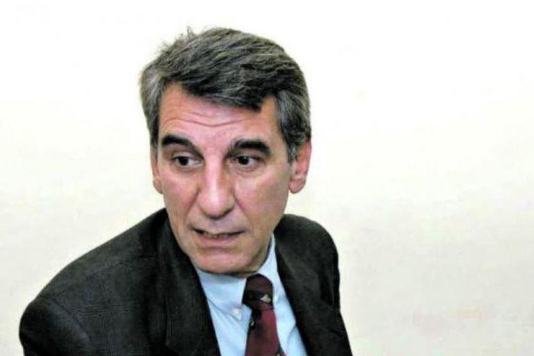El polémico juez Francisco Pisa, cuestionado por su desempeño en el caso de la docente asesinada en Tucumán por su acosador, presentó su renuncia condicionada para jubilarse con el beneficio del 82% móvil. El futuro del magistrado quedó en manos del gobernador Juan Manzur, quien debe resolver si ace
