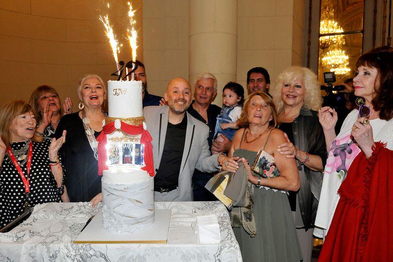 Junto a Fanny Mandelbaum, familiares y amigos, Muscari festejó la distinción