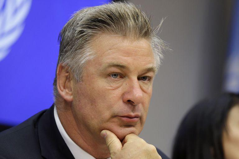Caso Baldwin: la policía no descarta ninguna hipótesis pero las miradas apuntan contra la armera de Rust