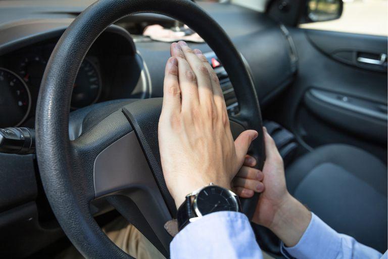 Una investigación del MIT usa algoritmos para anticipar los movimientos de los conductores y enseñarle a los autos autónomos a moverse mejor en el tránsito urbano