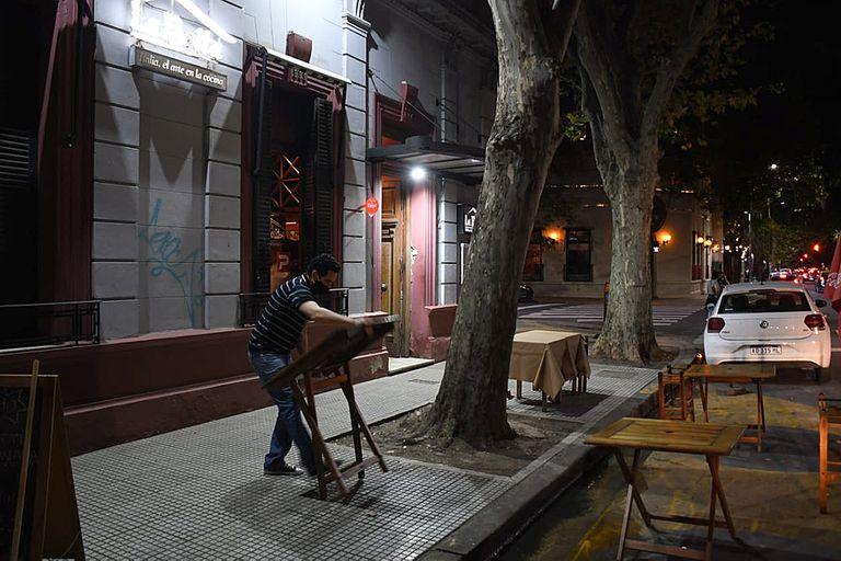 En Palermo, por la zona de Plaza Serrano, los bares y restaurantes  comenzaron cerrar entre las 19 y 20 horas