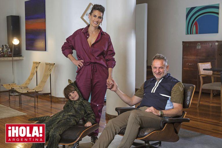Mona Gallosi nos recibe en su casa junto a su marido y su hijo Delfo, de cinco años