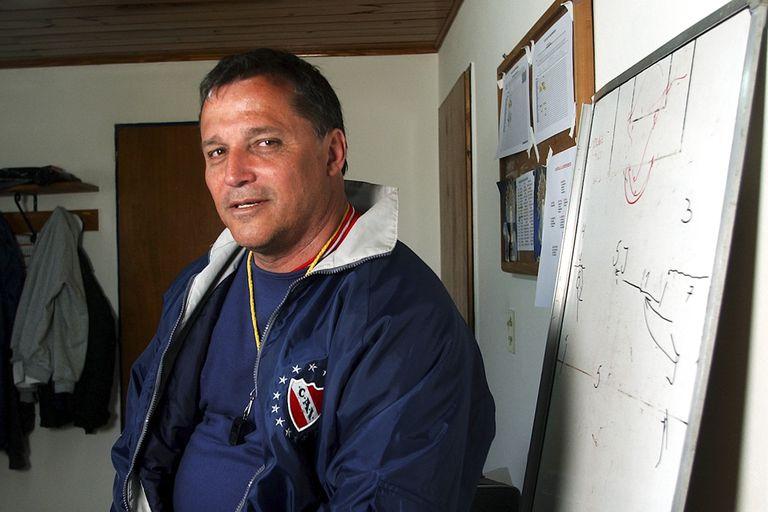 """Bertoni asumió la dirección de Independiente tras la muerte de Pastoriza, y entre agosto y noviembre de 2004 dirigió pocos partidos y se marchó sin apoyo de la dirigencia; """"El estilo de Falcioni no me gusta"""", no duda"""