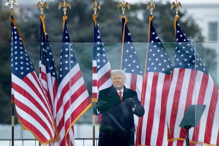 Análisis: Washington sufre las convulsiones finales de la era Trump