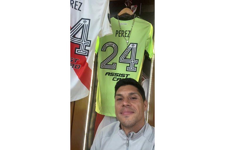 Enzo Pérez, en el vestuario de River antes del partido.