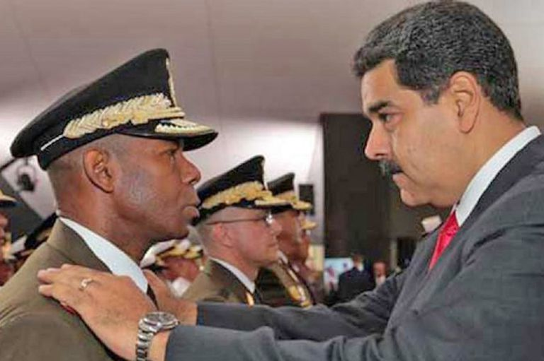 El general Manuel Ricardo Cristopher Figuera, exdirector del Sebin, junto a Maduro, antes de salir de Venezuela