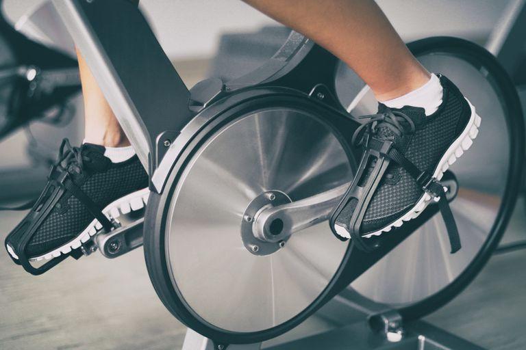 Alquilar una bicicleta fija por un mes puede costar entre $2500 y $12.000, según el gimnasio y el tipo de bicicleta