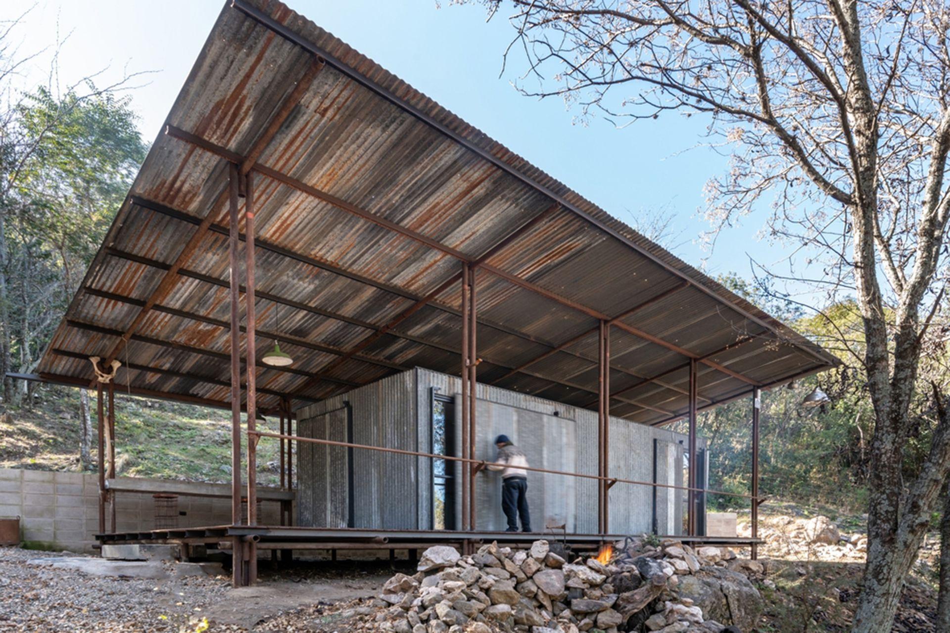 La Paisanita tiene 60 metros cuadrados y es amigable con el entorno natural