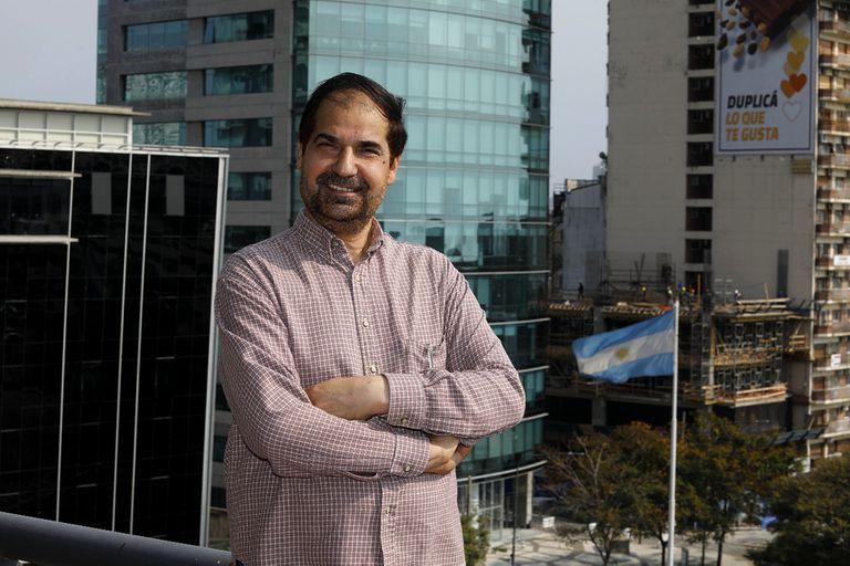 Omar Lewall, refugiado afgano, llegó a la Argentina con su familia en 2017