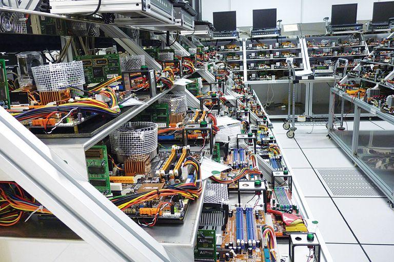 Una industria millonaria. La planta donde se produucen memorias DRAM y dispositivos USB