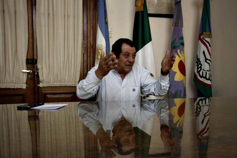 Julio Marini, intendente de Benito Juárez, cree que los habitantes del partido respetarán las normas para poder mantener las nuevas medidas