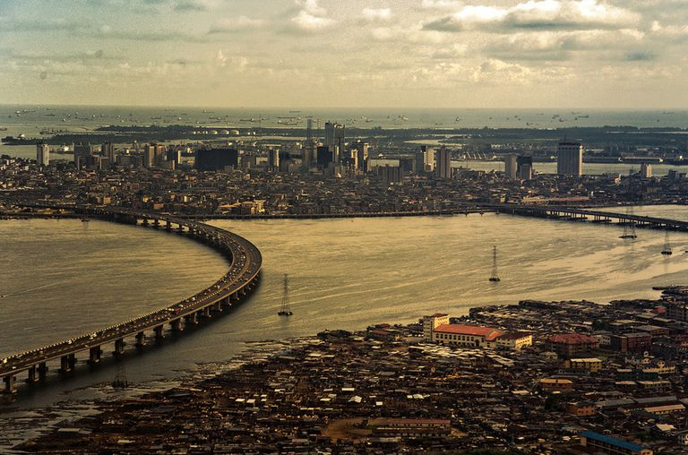El Puente Third Mainland conecta la isla de Lagos con el continente.