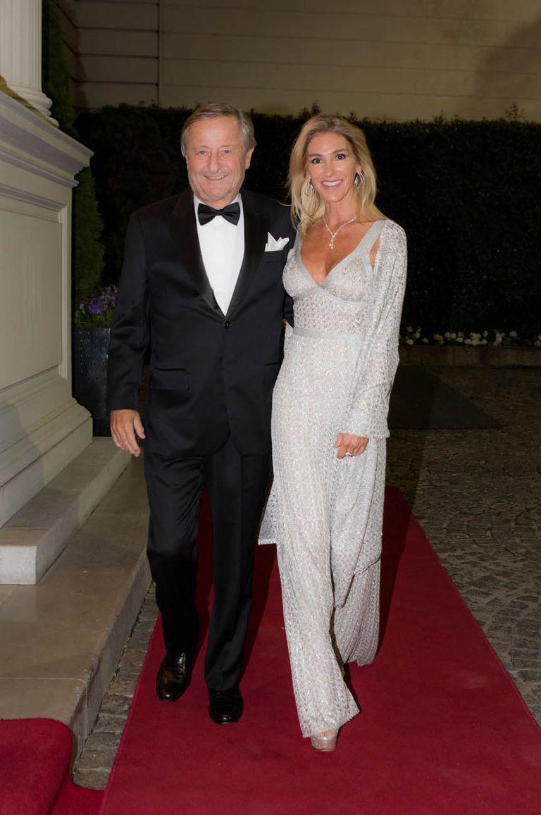 Cristiano Ratazzi y Gabriela Castellani, con un vestido de Missoni y zapatos Cavalli