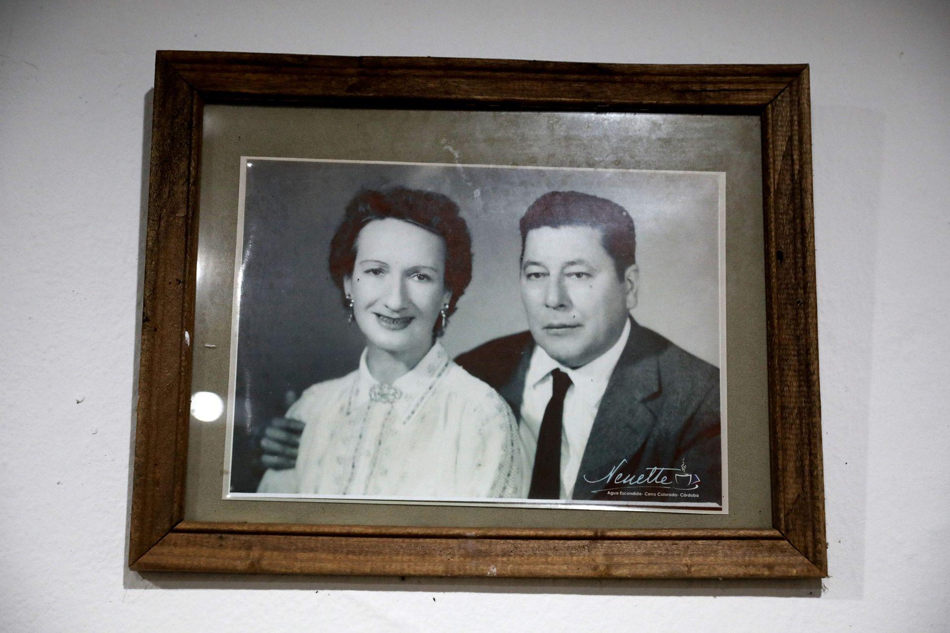 Retrato de Atahualpa Yupanqui con su esposa Antonietta Paule Pepin Fitzpatrick (conocida como Nenette)
