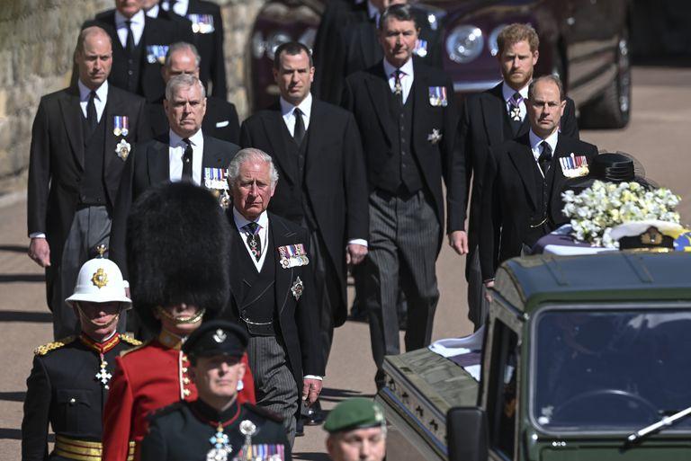 Harry y William durante el funeral de Felipe