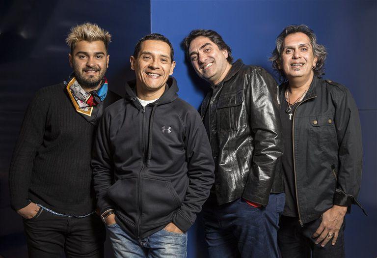 Álvaro Teruel, Rubén Ehizaguirre, Kike Teruel y Mario Teruel, los integrantes del grupo folclórico Los Nocheros