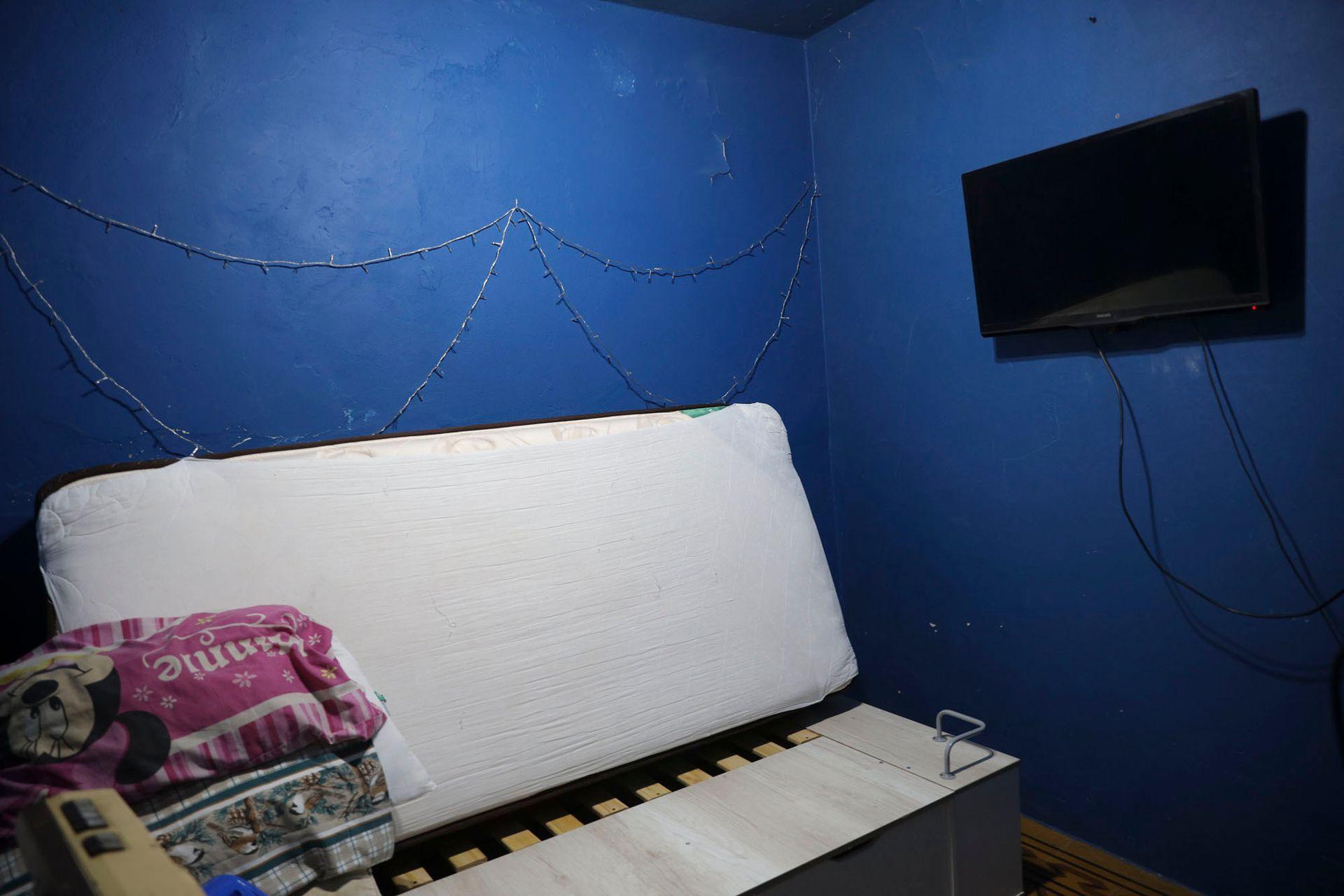 Las paredes azules, como estaban pintadas en los tiempos en los que allí vivía Mariano Mores