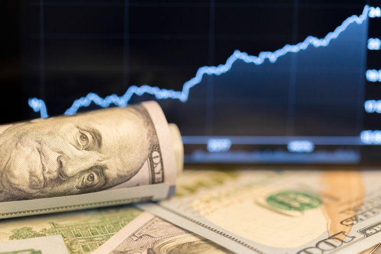 El blue sigue en alza y alcanzó el valor más alto del año