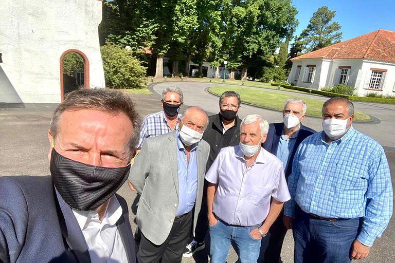 Tres días después de llenar de elogios a Hugo Moyano, Alberto Fernández recibe en Olivos a los líderes de la CGT, preocupados por el recorte de programas como el IFE, el ATP y los fondos de las obras sociales